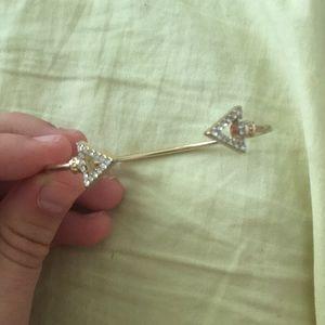 Golden arrow bracelet